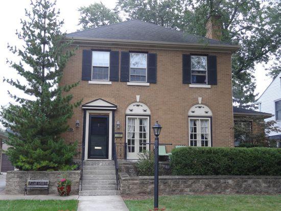 581 S Poplar Ave, Elmhurst, IL 60126