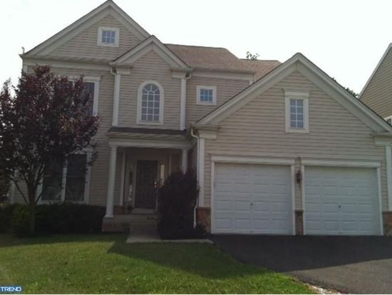 529 Shoemaker Dr, Fountainville, PA 18923