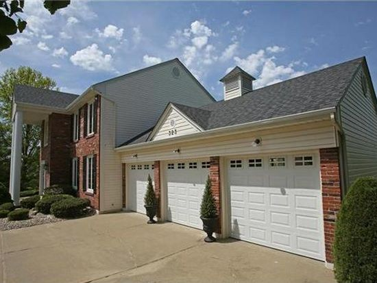 323 Chesterfield Oaks Dr, Wildwood, MO 63005