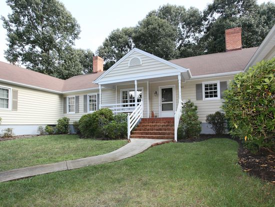 403 Clays Crossing Dr, Forest, VA 24551