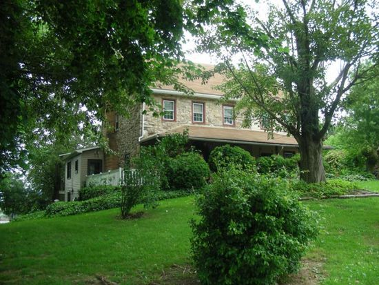 5565 Old Hwy, Gap, PA 17527