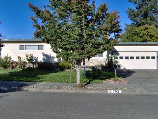 792 Nebraska Dr, Santa Rosa, CA 95405