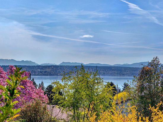 11048 Sand Point Way NE, Seattle, WA 98125