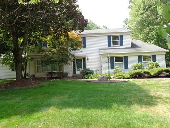 630 Tanglewood Rd, Hermitage, PA 16148