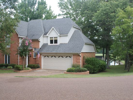 1327 Fox Chase Dr, Southaven, MS 38671