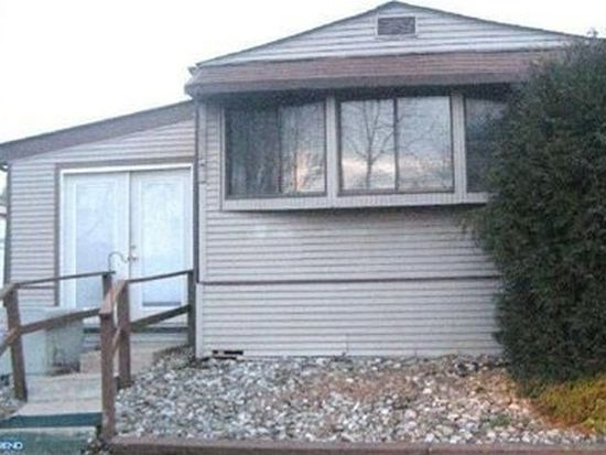 118 Parkside Ct, North Wales, PA 19454