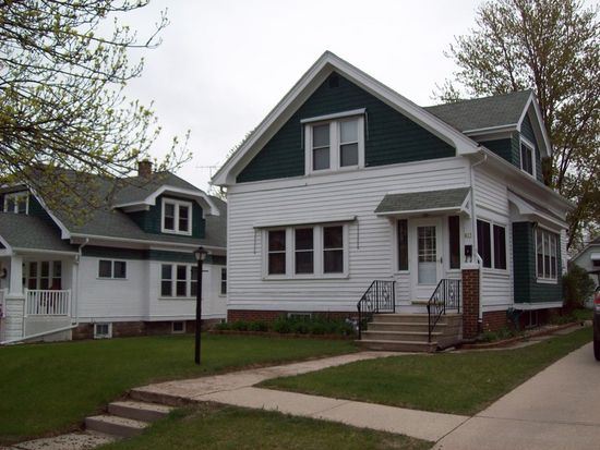 617 S 3rd Ave, West Bend, WI 53095