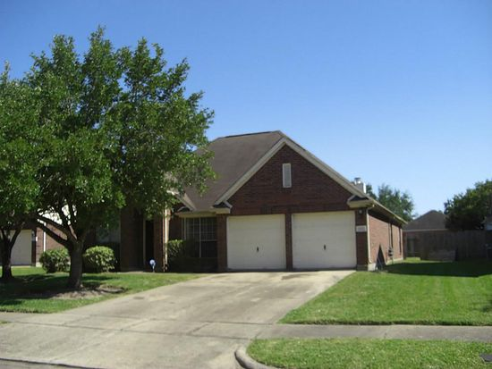1811 Thistlecreek Ct, Fresno, TX 77545