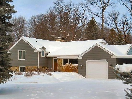 16830 Meadow View Dr, Brookfield, WI 53005