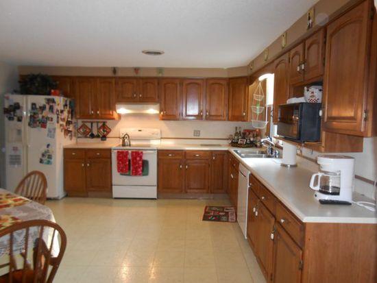 36 Brookedge Rd, Depew, NY 14043