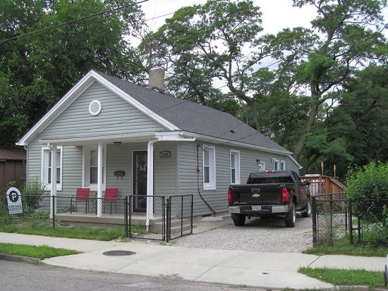 2206 W 29th St, Cleveland, OH 44113