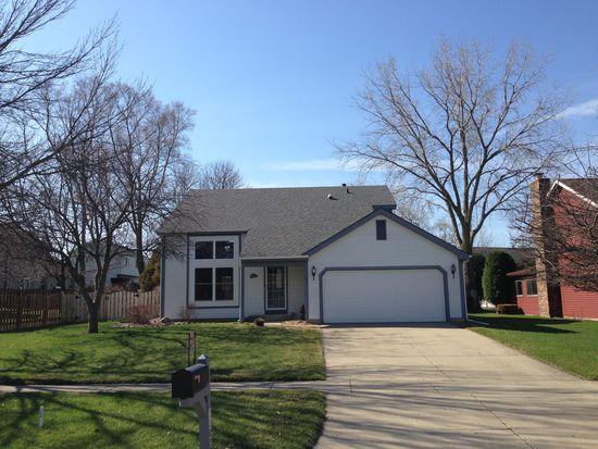 1103 Barlina Rd, Crystal Lake, IL 60014