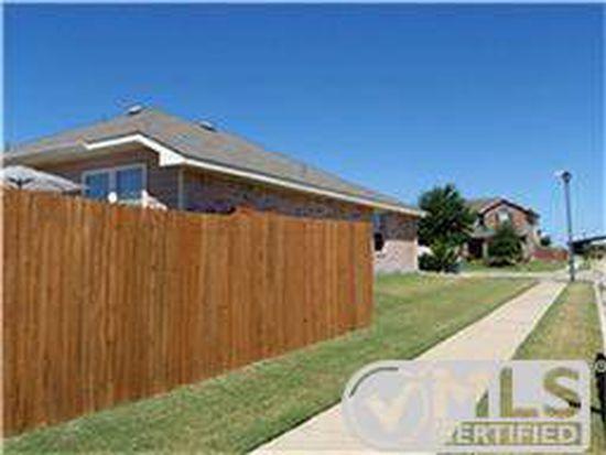 1001 Kimbro Dr, Forney, TX 75126