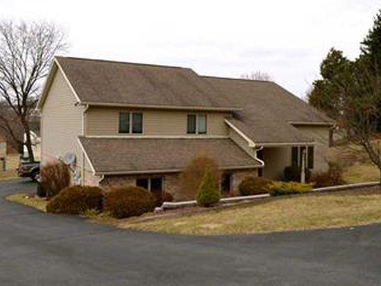 295 Hopi Dr, Greensburg, PA 15601