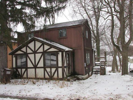 422 Ridgeland Ave, Woodstock, IL 60098