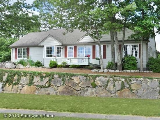 11 Evergreen Ct, South Kingstown, RI 02879