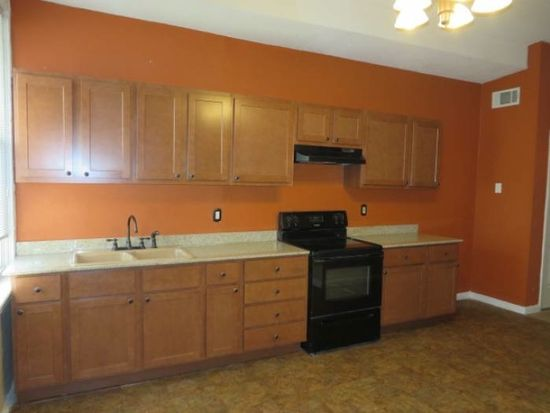 2700 Chippewa St # D, Saint Louis, MO 63118