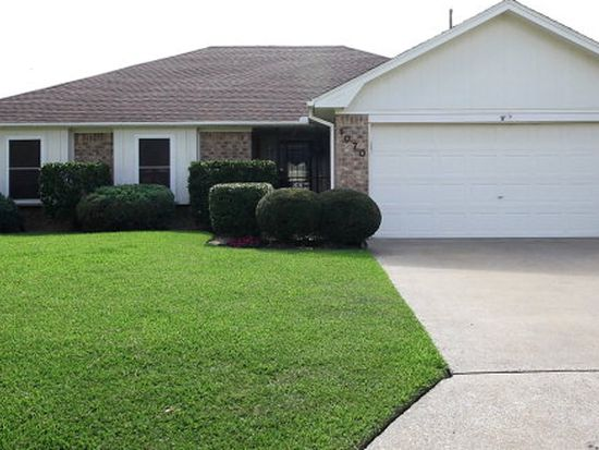 1070 Meadowland Dr, Beaumont, TX 77706