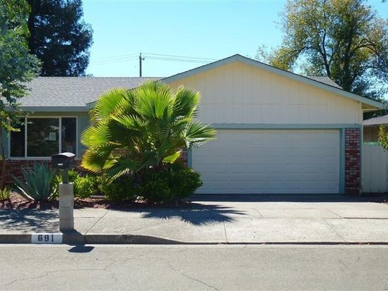 691 Montclair Dr, Santa Rosa, CA 95409