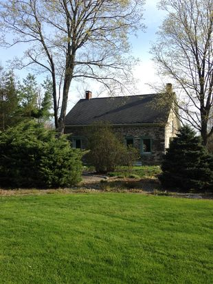 102 Butterville Rd, New Paltz, NY 12561