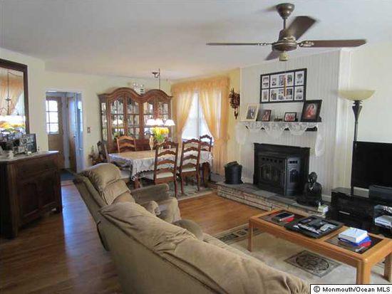 217 Cortland Rd, Eatontown, NJ 07724