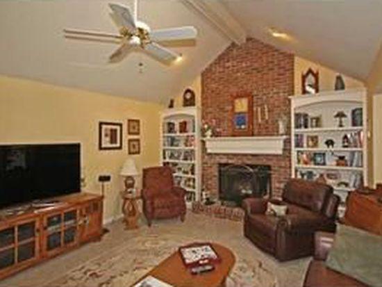 10534 Royal Oak Dr, Clarence, NY 14031