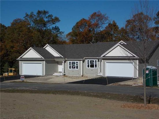 108 Country Meadow Ln, Glocester, RI 02814