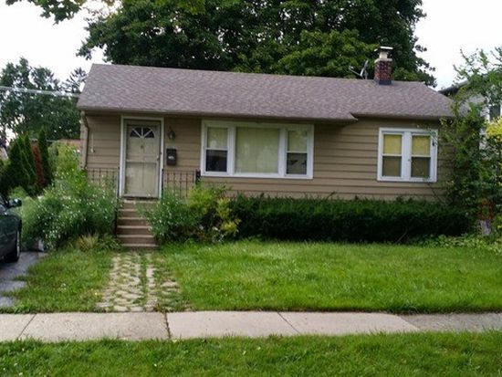 720 N Kennicott Ave, Arlington Heights, IL 60004