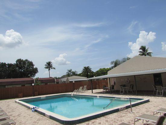 6300 S Pointe Blvd APT 317, Fort Myers, FL 33919