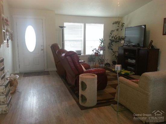 842 NE Paiute Ct, Redmond, OR 97756