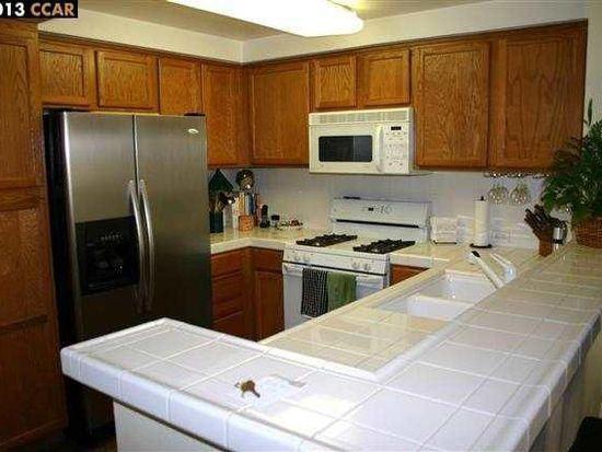 280 Caldecott Ln UNIT 215, Oakland, CA 94618