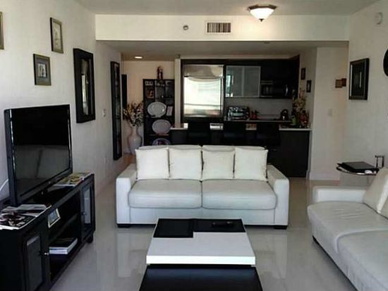 500 Brickell Ave APT 1503, Miami, FL 33131