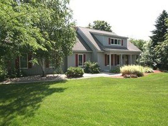 6112 N Wyndwood Dr, Crystal Lake, IL 60014