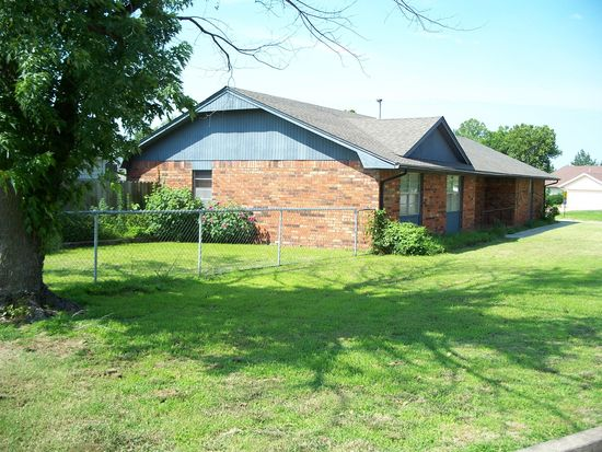 1515 Lakeview Dr, Cushing, OK 74023