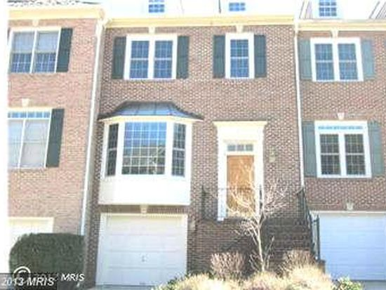 3911 Barcroft Mews Ct, Falls Church, VA 22041