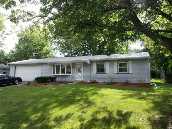 638 Old Forge Rd, Valparaiso, IN 46385