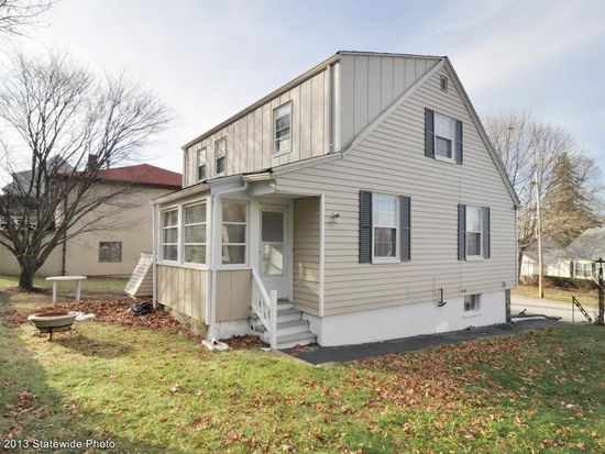 66 Dover Ave, East Providence, RI 02914