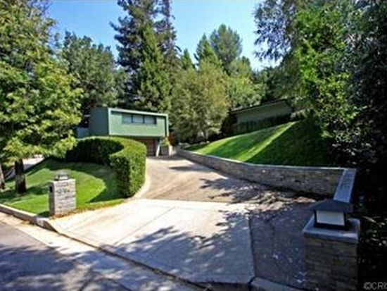 3756 Hayvenhurst Ave, Encino, CA 91436