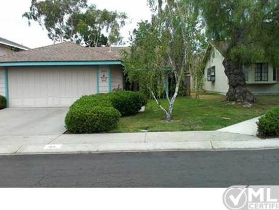 2106 Cottage Way, Vista, CA 92081