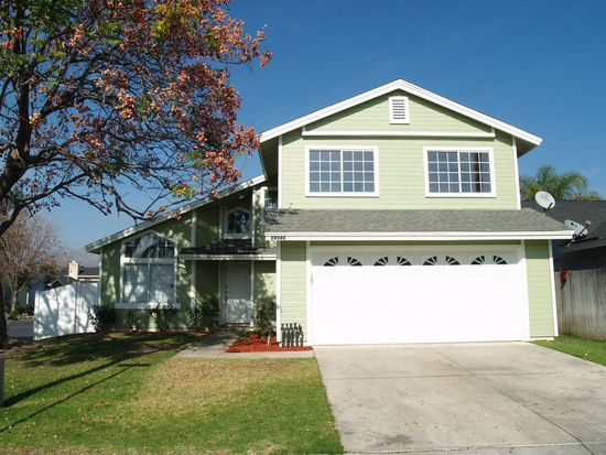 28544 Foxboro Ln, Highland, CA 92346