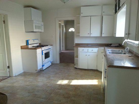 1622 W 216th St, Torrance, CA 90501