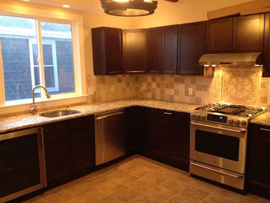 116 Foster St APT 3, Peabody, MA 01960