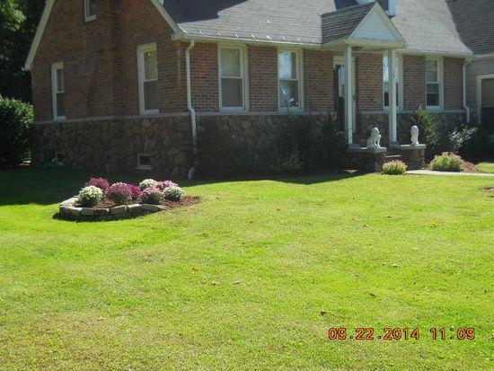 37 Richardson Ave, Attleboro, MA 02703