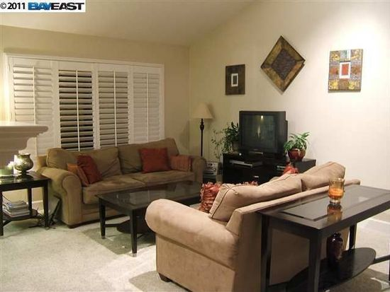 5022 Lakeview Dr APT 200, San Ramon, CA 94582