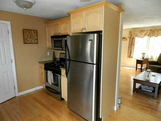 5804 Post Rd APT 3, East Greenwich, RI 02818