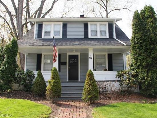 97 Olive St, Chagrin Falls, OH 44022