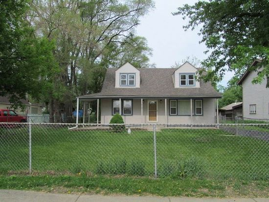 912 S Ellsworth Ave, Addison, IL 60101
