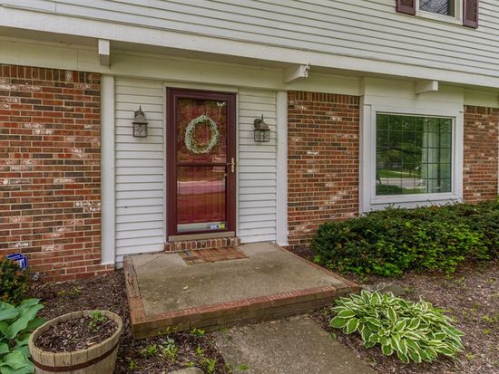 580 S Harbour Dr, Noblesville, IN 46062