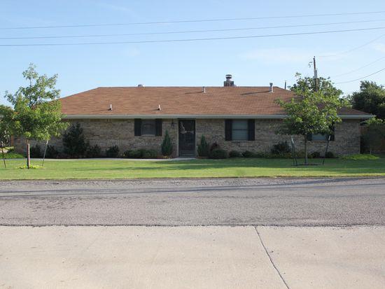 706 Pendleton St, Farmersville, TX 75442