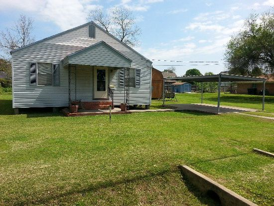5254 Park Ave, Groves, TX 77619